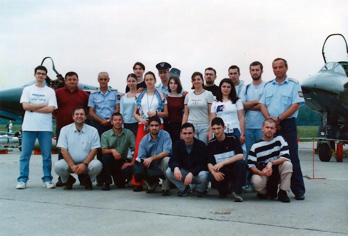 Generacija 2000 - Poseta aeredromu u Ladjevcima